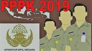 Penyerahan SK pengangkatan Pegawai Dengan Perjanjian Kerja (PPPK) Tahap I Formasi Tahun 2019